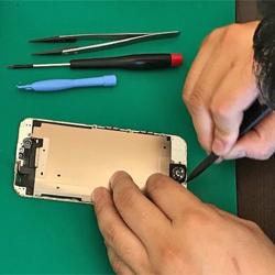 iPhoneの画面割れもバッテリー交換もおまかせください